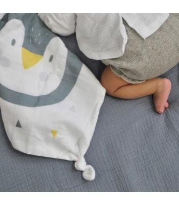 Doudou Pinguino in morbida mussola di cotone bio certificato (GOTS).